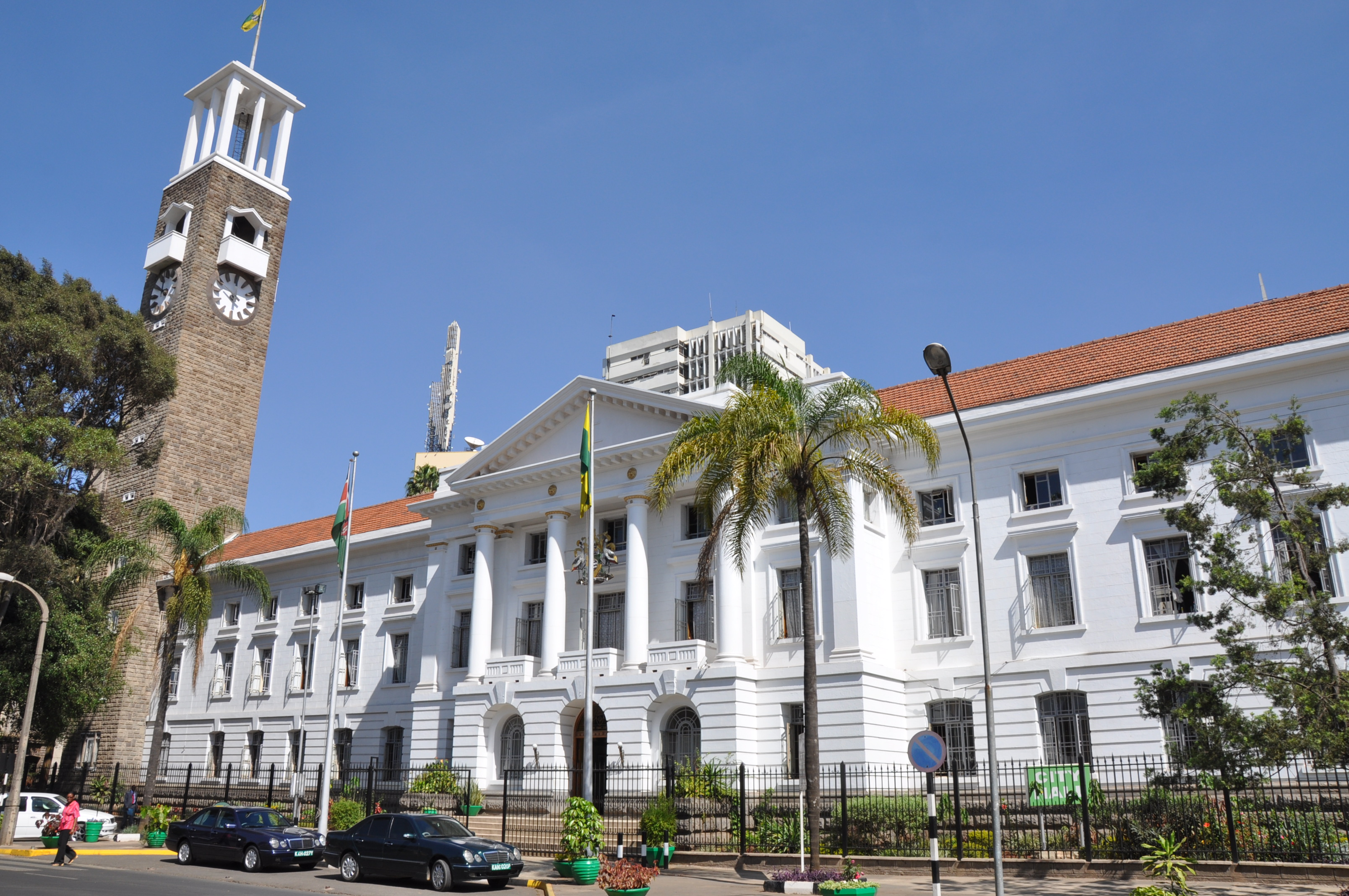 Nairobi County Government is staring a financial crisis and stands a chance to lose up to Sh100 million daily should there not be another service provider for the ICMS.